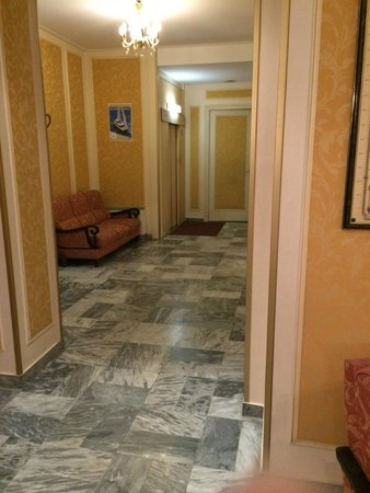 Hotel Busby: Lobby area