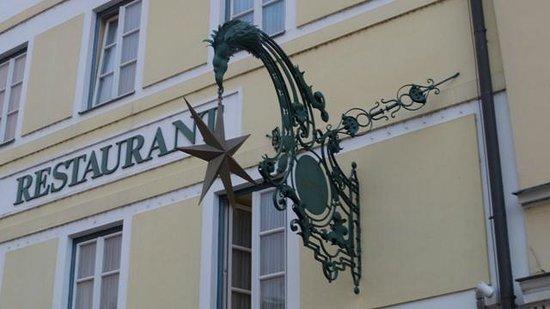 Romantik Hotel Goldener Stern: Zunftzeichen an der Fassade