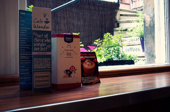 Cafe Wander: The sunny window seat