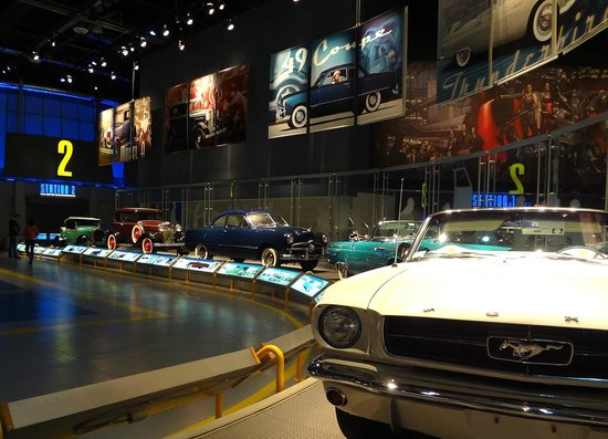 Ford Rouge Factory Tour: Ford Rouge Visitor Center Car Gallery