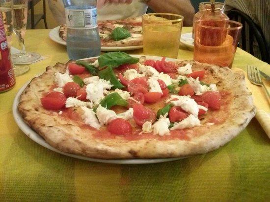 Pizza AM : pizza bufala e pomodorini