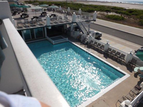 Water's Edge Ocean Resort: Pool