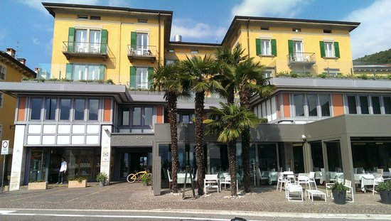 Hotel Lago di Garda : Hotel front