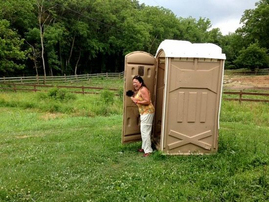Whispering Woods Riding Stable: The toilet facility