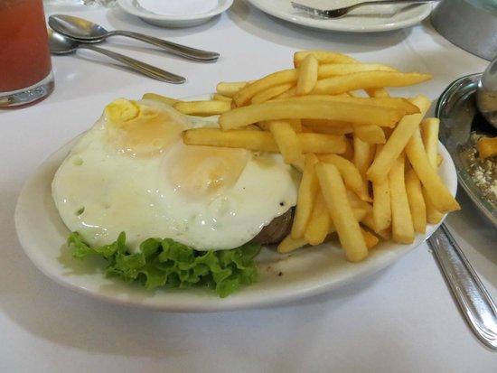 Komka: meat eggs and fries