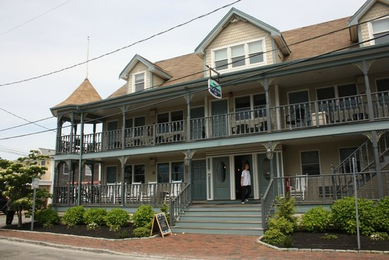 The Dockside Inn: front of dockside inn