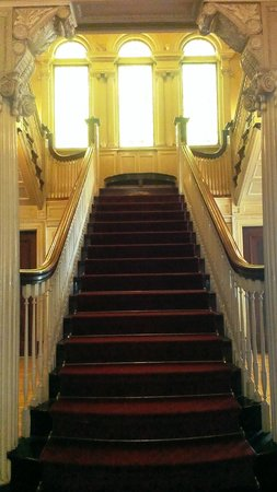 Roberson Museum And Science Center: Mansion Staircase