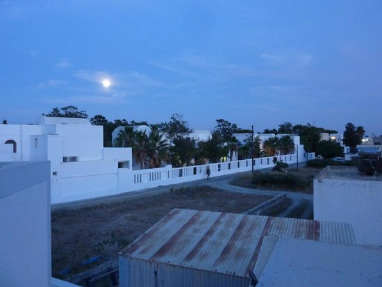 Loukas & Emma Family Houses: moonrise from terrace no.2