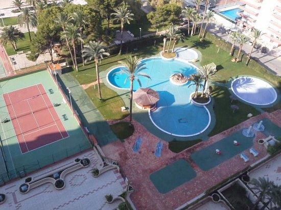 Florazar II Apartments: piscina