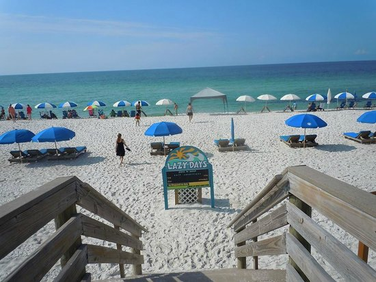 Holiday Inn Resort Pensacola Beach : rent a chair on the beach