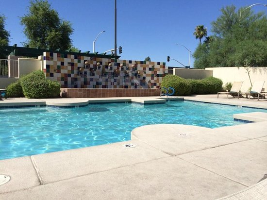 Hilton Garden Inn Scottsdale Old Town: Hilton Garden Inn pool