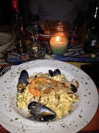 Broccolino Restaurant : tagliolini e tutto il mare che c'e' dentro