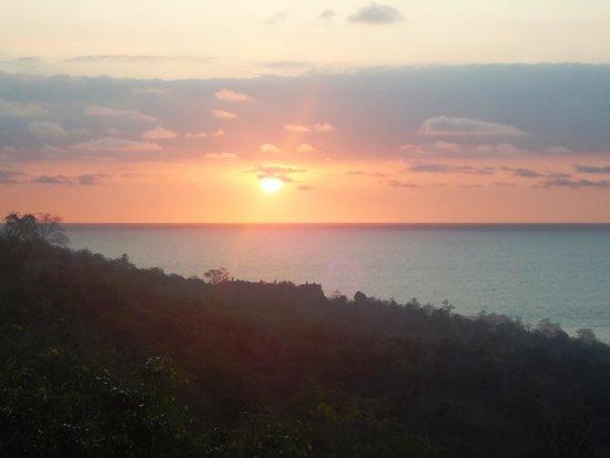 Mantaraya Lodge: Atardecer en Puerto López