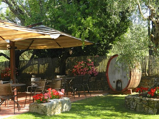 Hotel Belvedere Di San Leonino: outdoor dining