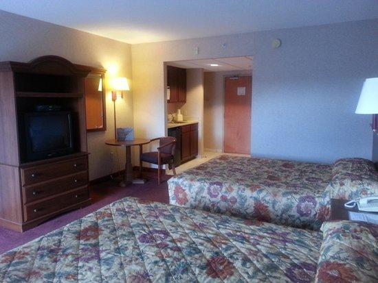 Ocean 1 Hotel and Suites: 2 queen beds