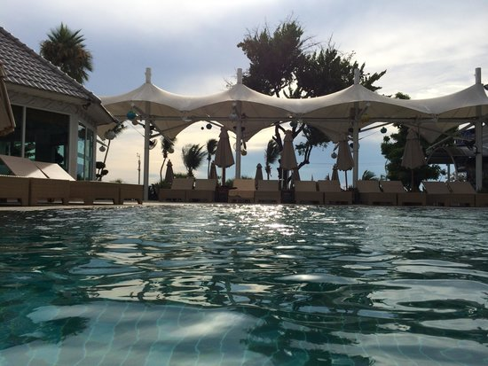 Pattaya Discovery Beach Hotel: Schwimming Pool