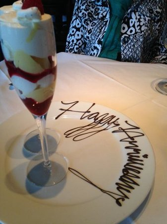 Ariana Restaurant: Lovely Dessert with Anniversary Wishes from the Chef