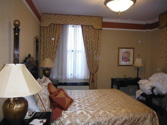 The Lucerne Hotel: Bedroom