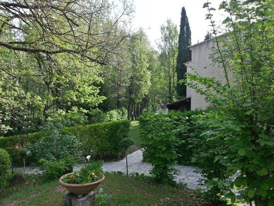 Au Bien Etre : ホテルの庭