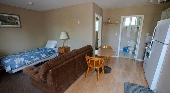 Bayside Motel: Family Room