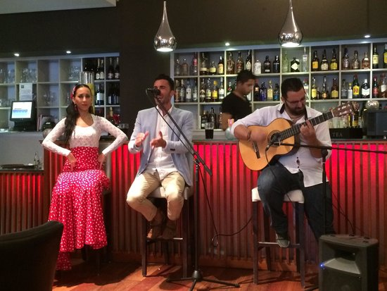 Restaurante Vino Mio: Flamenco crew