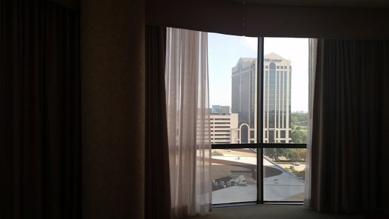 DoubleTree by Hilton Hotel Dallas - Campbell Centre : view from bed