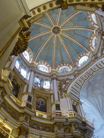 Catedral y Capilla Real: Stunning detail everywhere