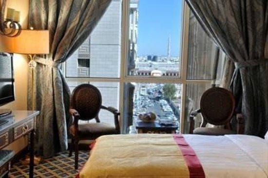 Makkah Millennium Hotel: وهذه الغرفة جميلة بسبب المنظر الخلاب الموجود بها