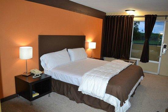 Wave Hotels: King Room