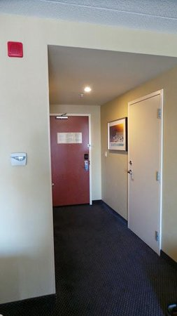 Fairfield Inn & Suites by Marriott Montreal Airport: Entrée