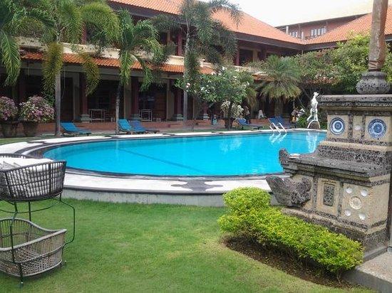 Masa Inn : main pool area