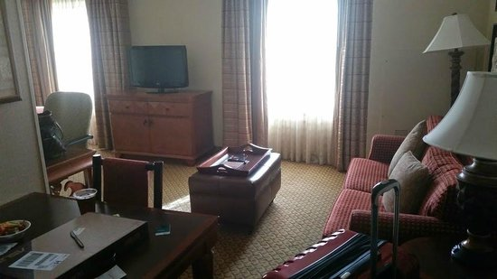 Homewood Suites Ft. Lauderdale Airport & Cruise Port: living area of studio suites