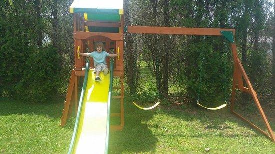 Blue Whale Inn: FAMILY PLAYGROUND