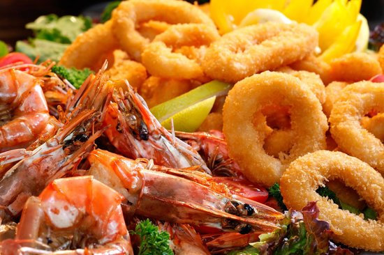Manhattan Hotel: 110 dish buffet for Lunch and Dinner
