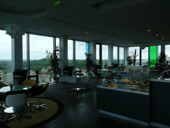 andel's by Vienna House Berlin : Bar Cafe im Tower