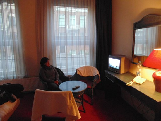 Hotel Europa'92 : Habitación