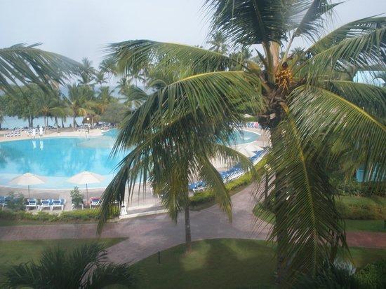 Dreams La Romana: Infinity Edge pool