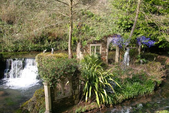 Wookey Hole Hotel: Beautiful Grounds