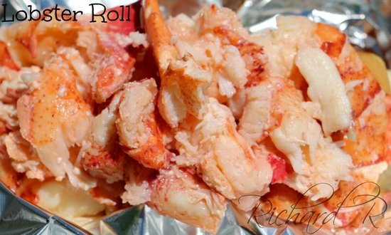 Red's Eats: Excellent Lobster Roll