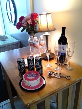 Blue Whale Inn: COMPLIMENTARY WELCOME GIFTS