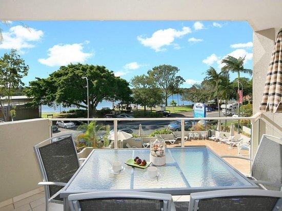 Regatta Riverfront Apartments: Balcony View 2nd Floor