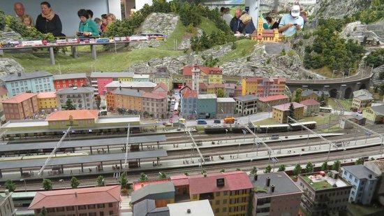 Miniatur Wunderland: Muitos trens