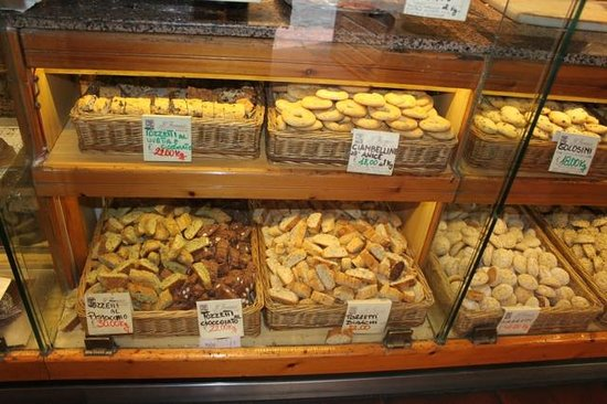 Il Fornaio: A Tremendous Variety of Sweet Baked Pastries, Cookies, Cakes and more!