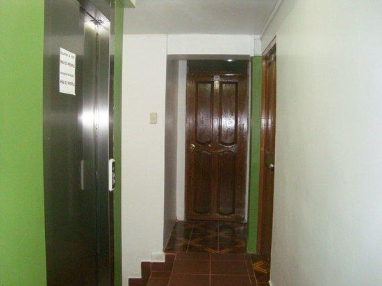 Machu Picchu Green Nature: hall interior