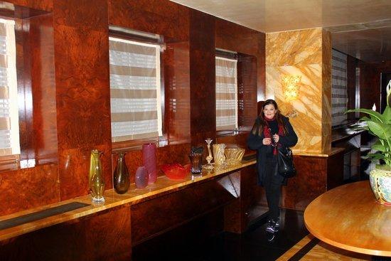 Bauer Palazzo: Sala decorada com vasos de cristal de Murano.
