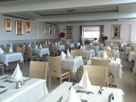 Asterias Beach Hotel: Restaurant area