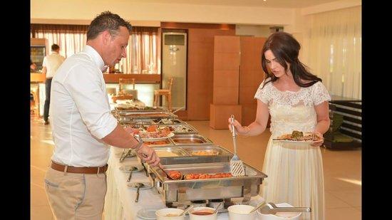 ELIA Restaurant & Lounge Bar: Greek BBQ Wedding food! AMAZING!