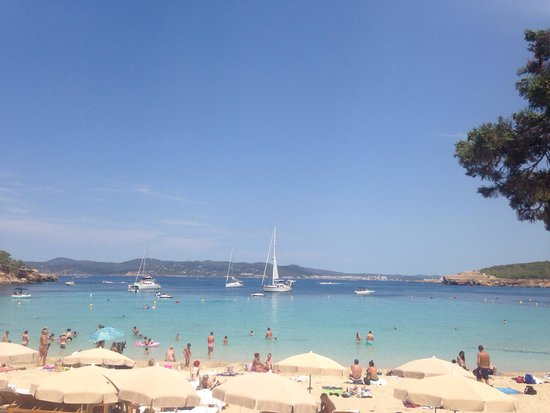 Cala Bassa Beach Club: The beautiful bay of Cala bassa