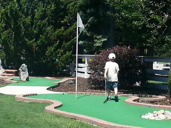 The Historic Powhatan Resort: Very nice mini golf