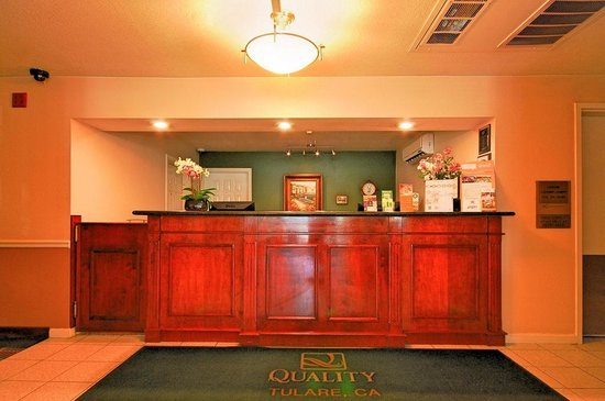 Quality Inn Tulare: Front Desk - Quality Inn